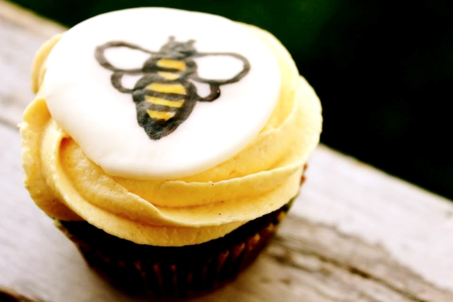 Honeybee Stout Cupcakes on Cake Central