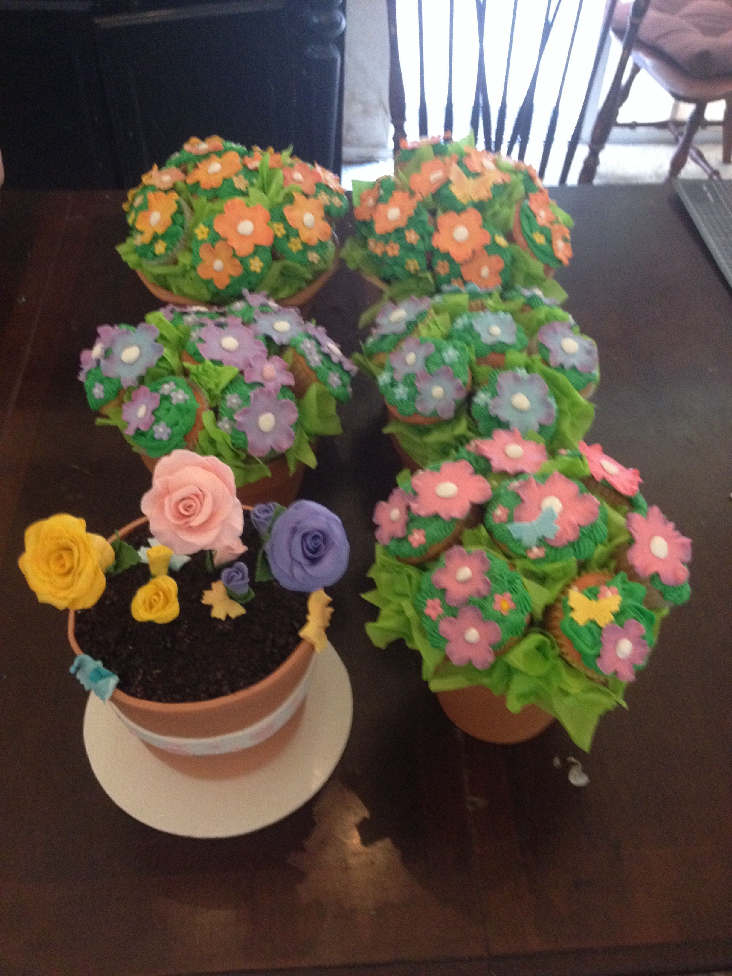 Mothers Day Flower Pot Cake And Cupcake Bouquets Cakecentral