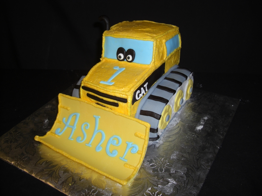 Cat Bulldozer on Cake Central