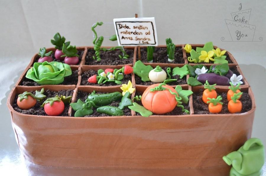 Garden Themed Cake Ideas
