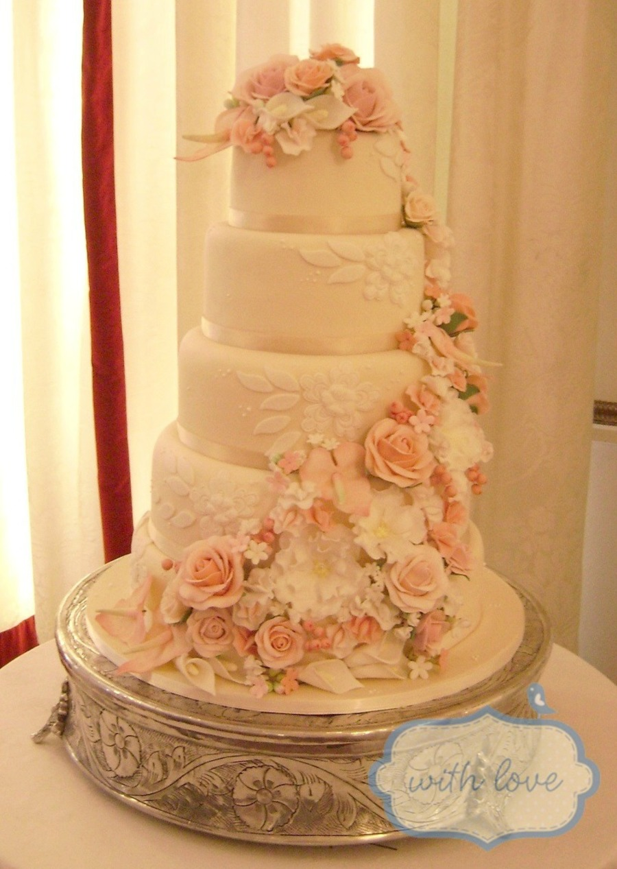 five tier wedding cakes 5 tier wedding cake with loads of handmade sugar flowers 14306