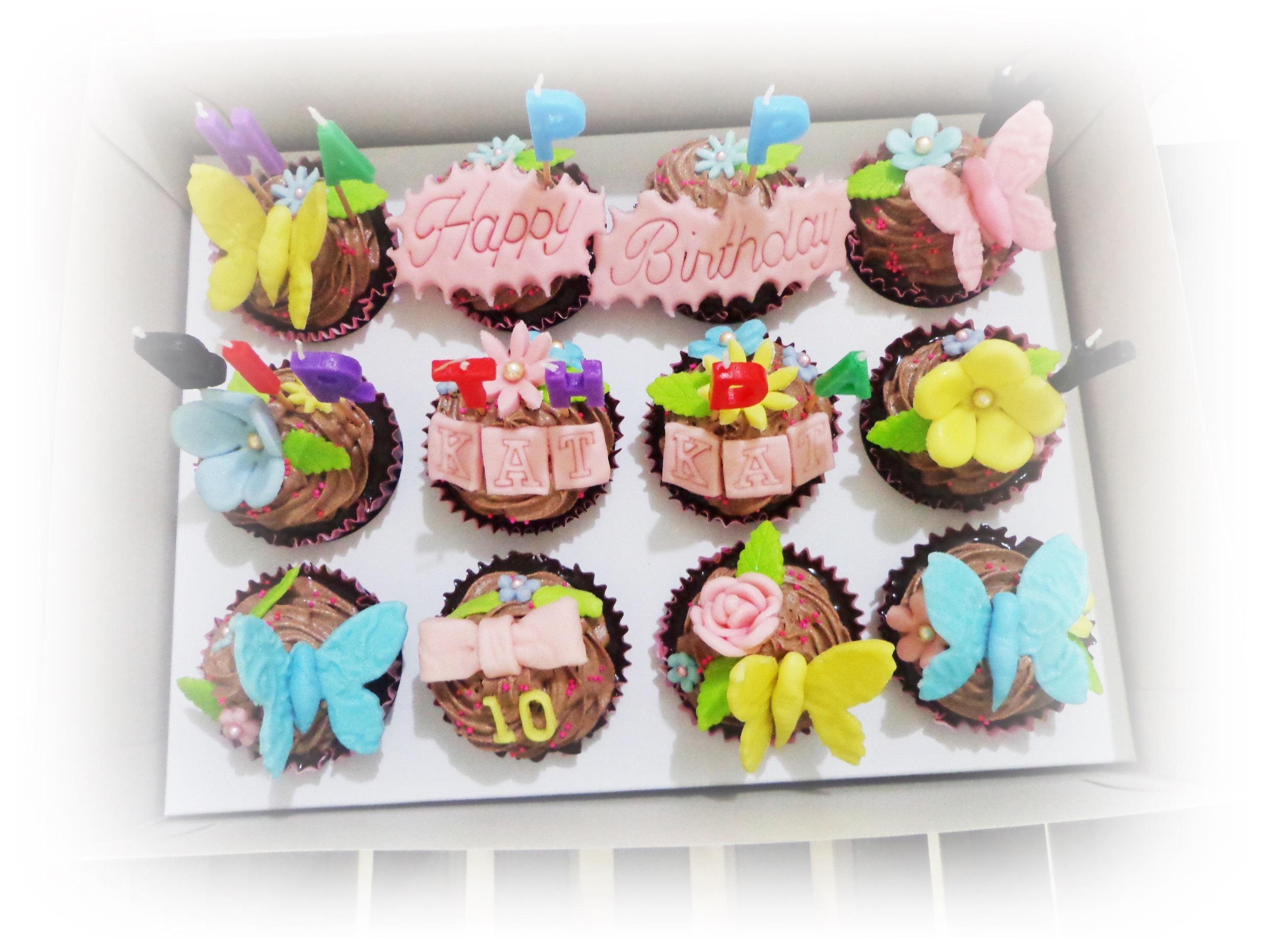 Hello Kitty Cake Made From Mocha Cake Fondant And Set Of Cupcakes
