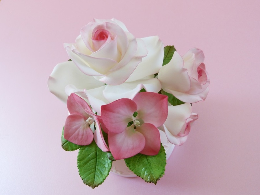 Sugar Gum Paste Roses Amp Hydrangea on Cake Central
