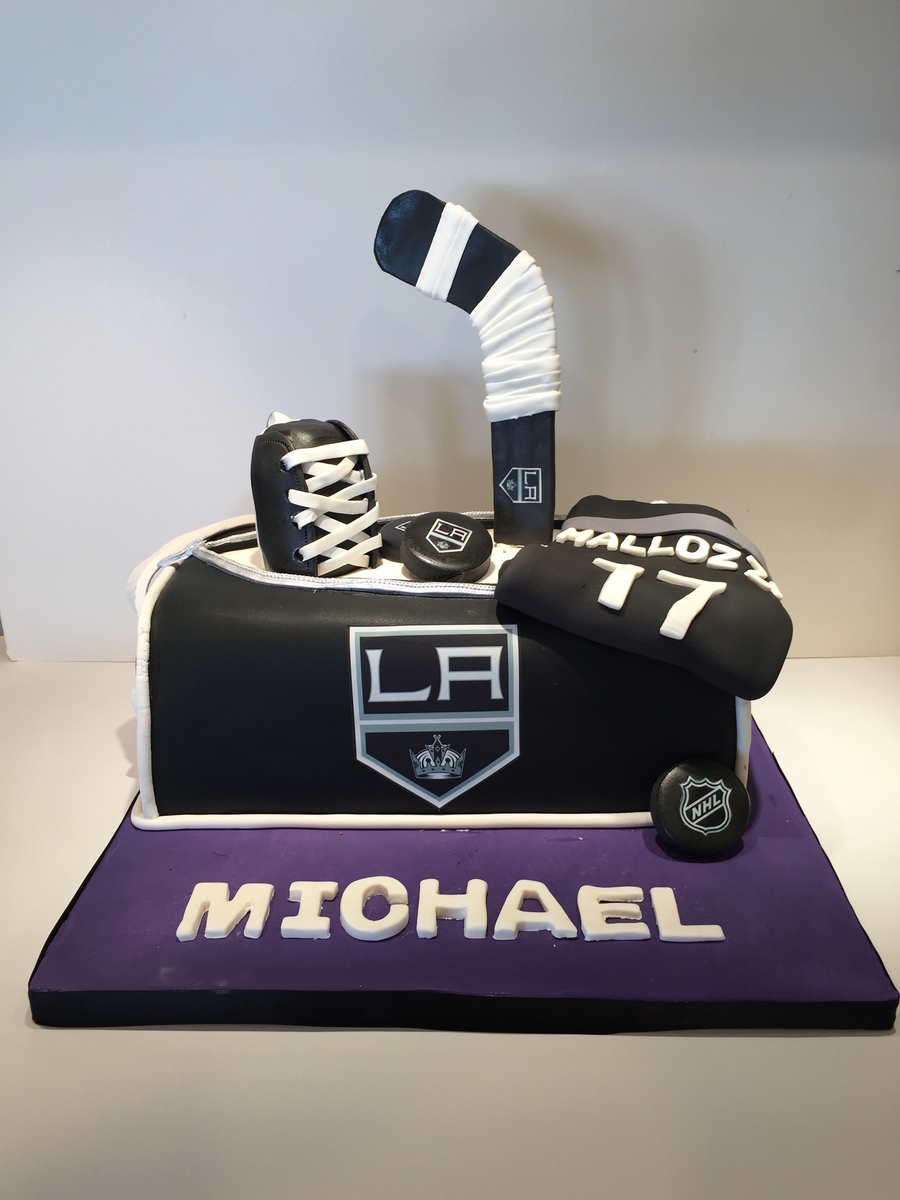 La Kings 17th Birthday Cake Cakecentral Com