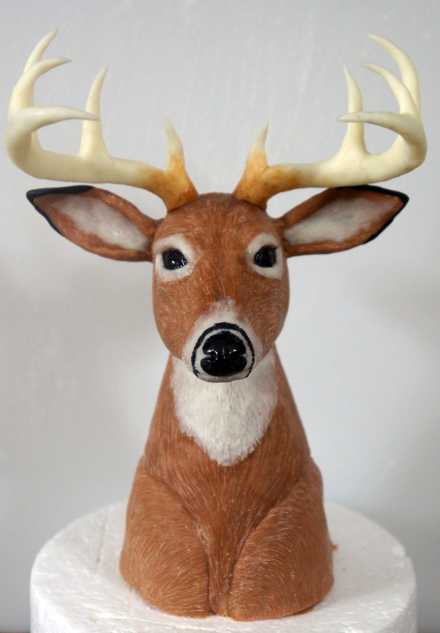 Deer Head Cake Topper Sculpted Out Of Cereal And Modeling