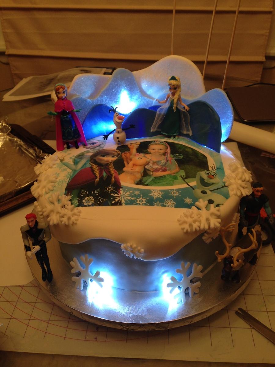Light Up Frozen Cake On Central