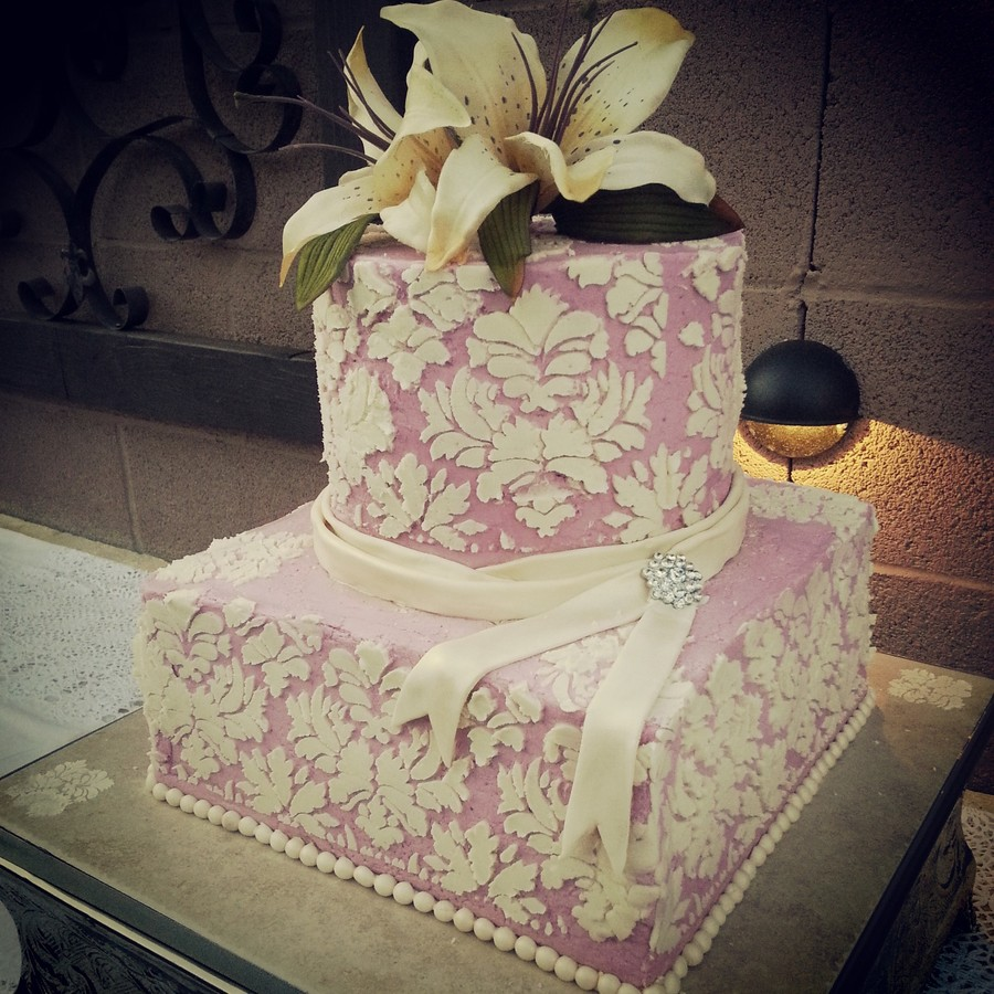 Damask Stenciling Over Buttercream For Vintage Themed Wedding on Cake Central