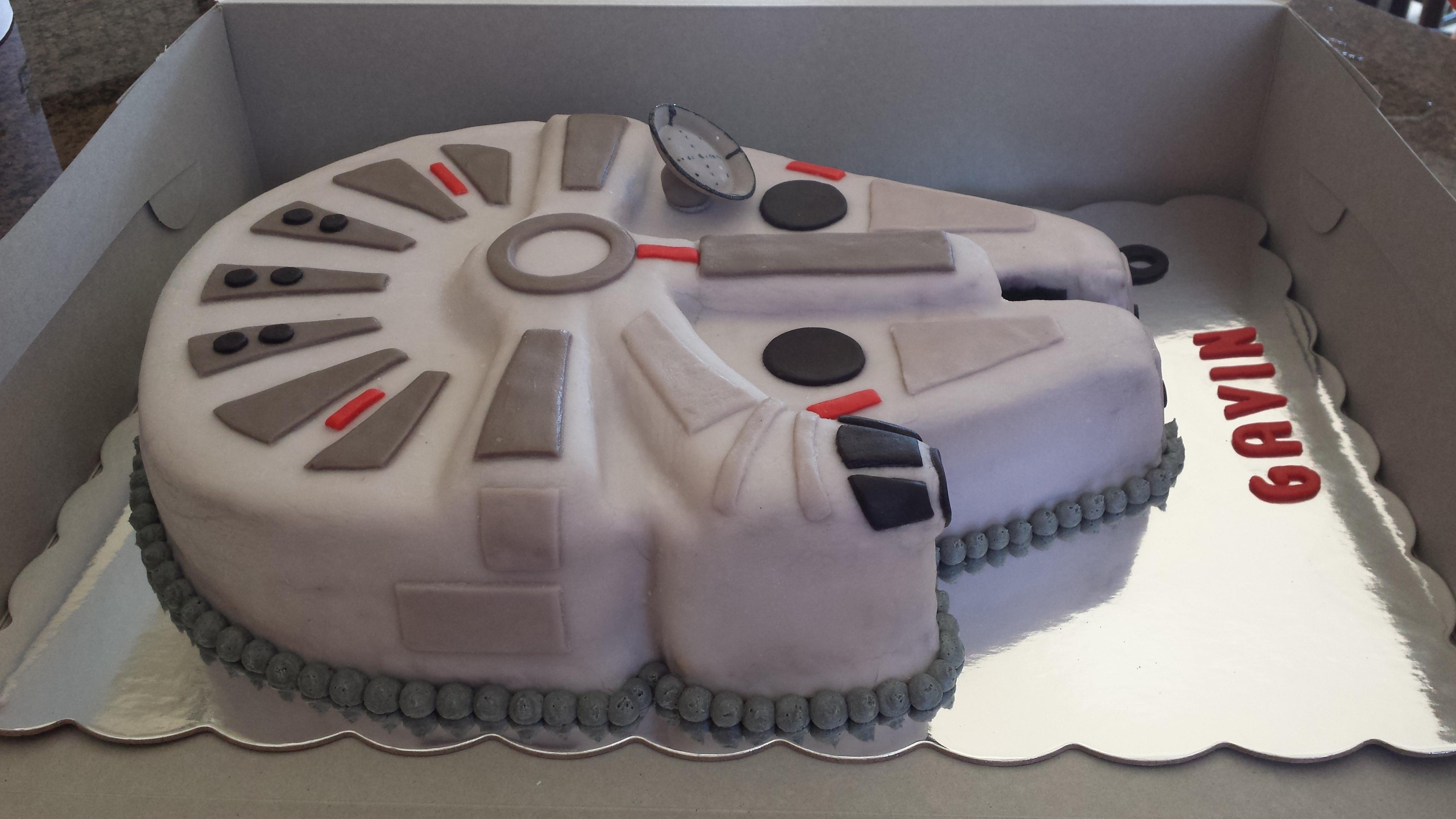 Millenium Falcon Cake Easy