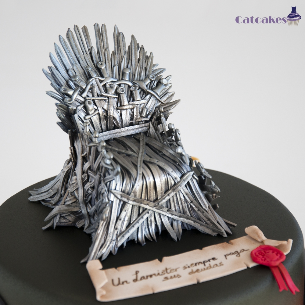 Game of thrones chair cake - Game Of Thrones Cake With 4 Characters We Really Enjoyed Making This Cake Cause We Like Tv Serie And Books
