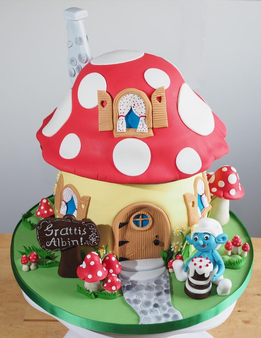 Baby Smurf Cake