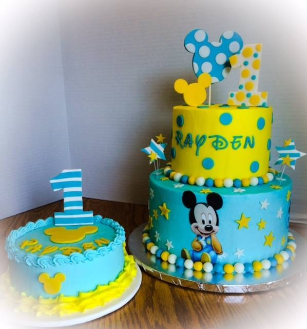 Birthday Cake Photos For 1st Birthday : First Birthday Baby Mickey - CakeCentral.com