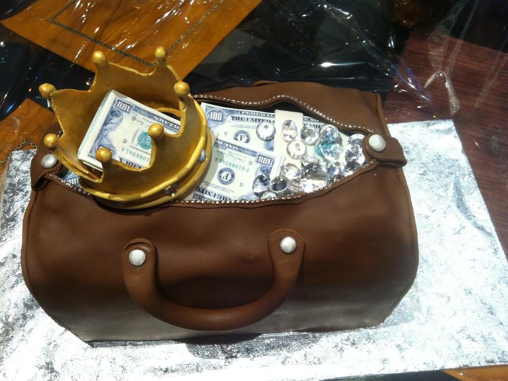 Prime Duffle Bag With Money Cakecentral Com Funny Birthday Cards Online Kookostrdamsfinfo