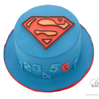 Superman glutenfree superman cake for a boy turning 6; decoration all fondant
