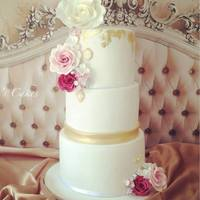 Emily's Wedding Cake 3 tiers of vintage luxury
