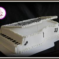 Piano Birthday Cake   Piano birthday cake