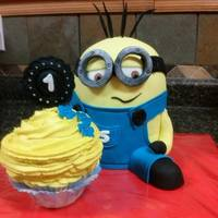 Minion Cake For a Birthday