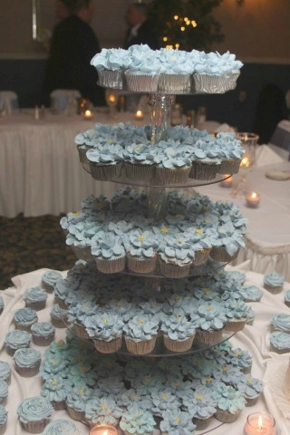 Wedding Cup Cakes 300 cup cakes OMG!