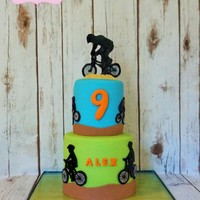 "Bmx Cake 1 tiers 6"" and 4"""