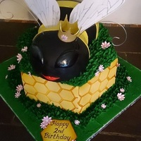 Queen Bee Cake Adorable Queen Bee cake. :)