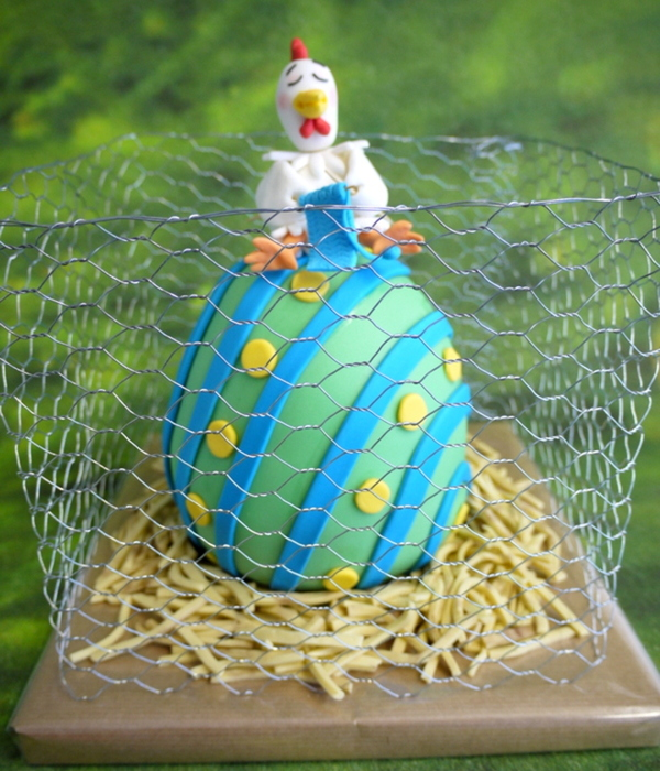 Knitting Chicken On Easter Egg