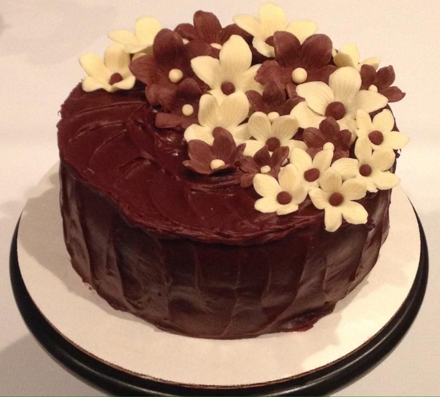 Cake Art Modeling Chocolate : Chocolate Cake With Modeling Chocolate Flowers ...