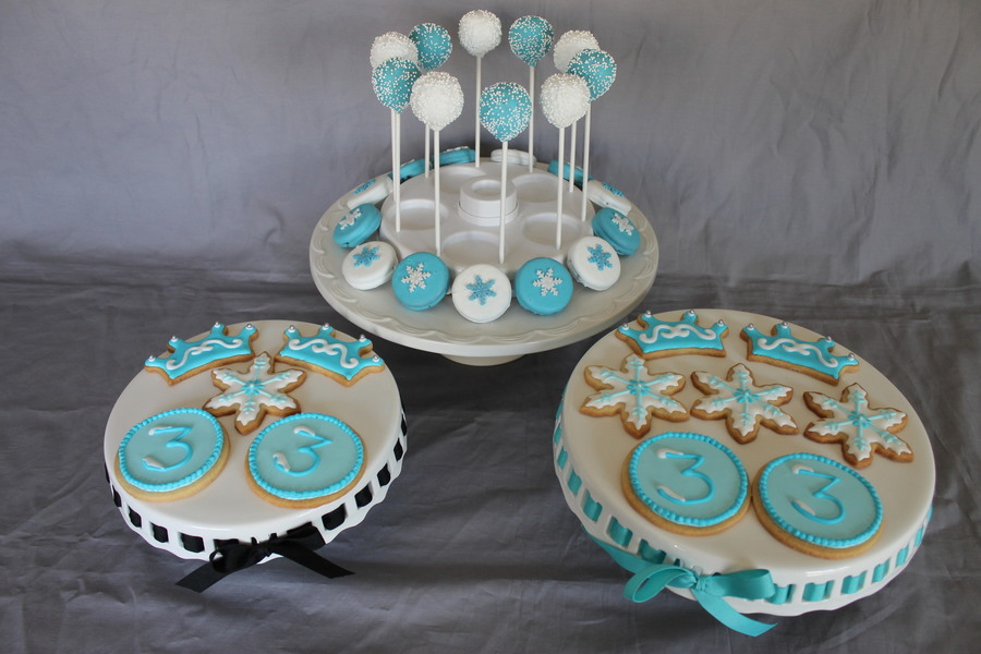 Frozen Themed Sugar Cookies Cake Pops Amp Chocolate Covered