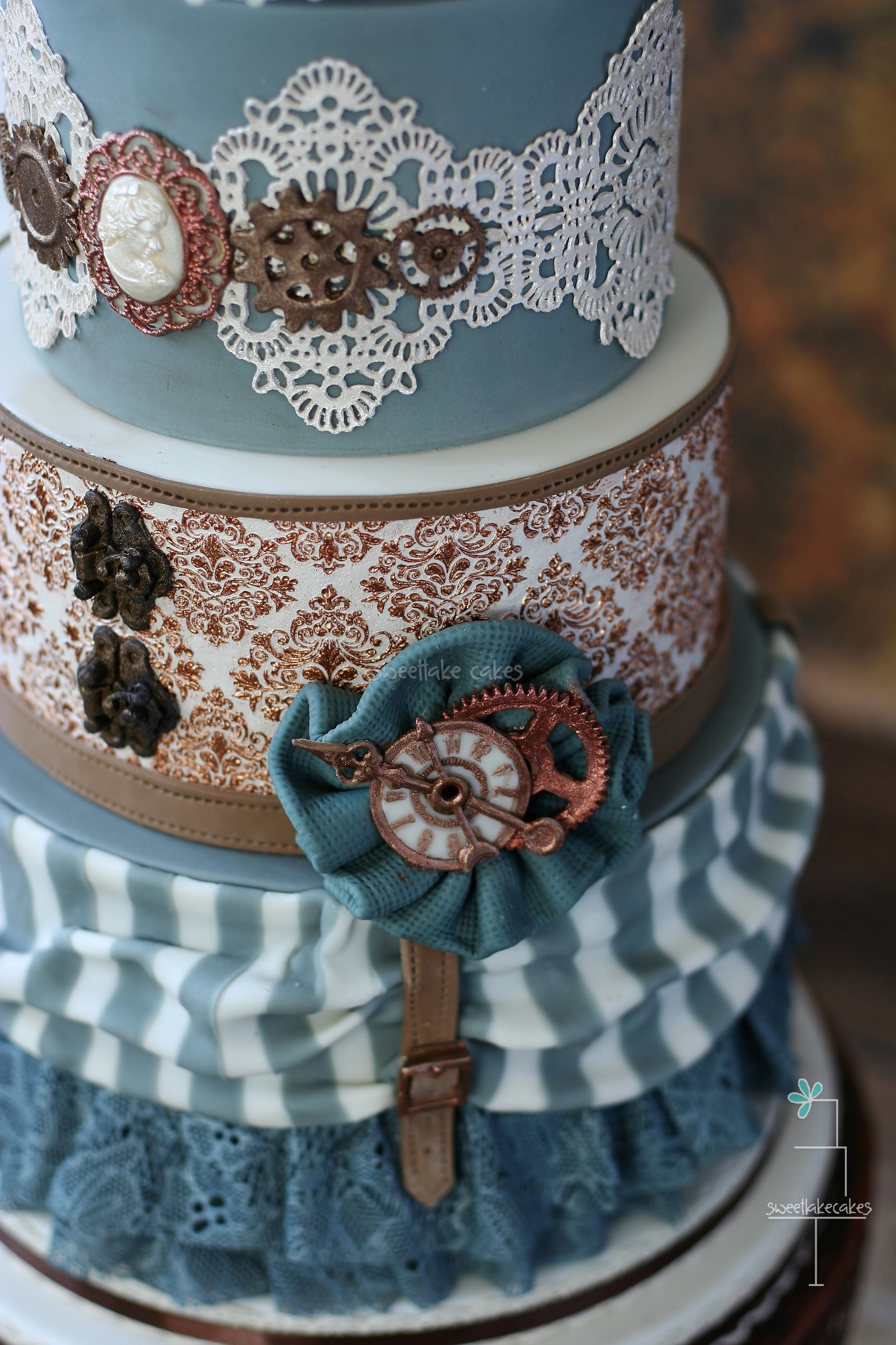 punk rock wedding cakes steampunk wedding cake cakecentral 18844