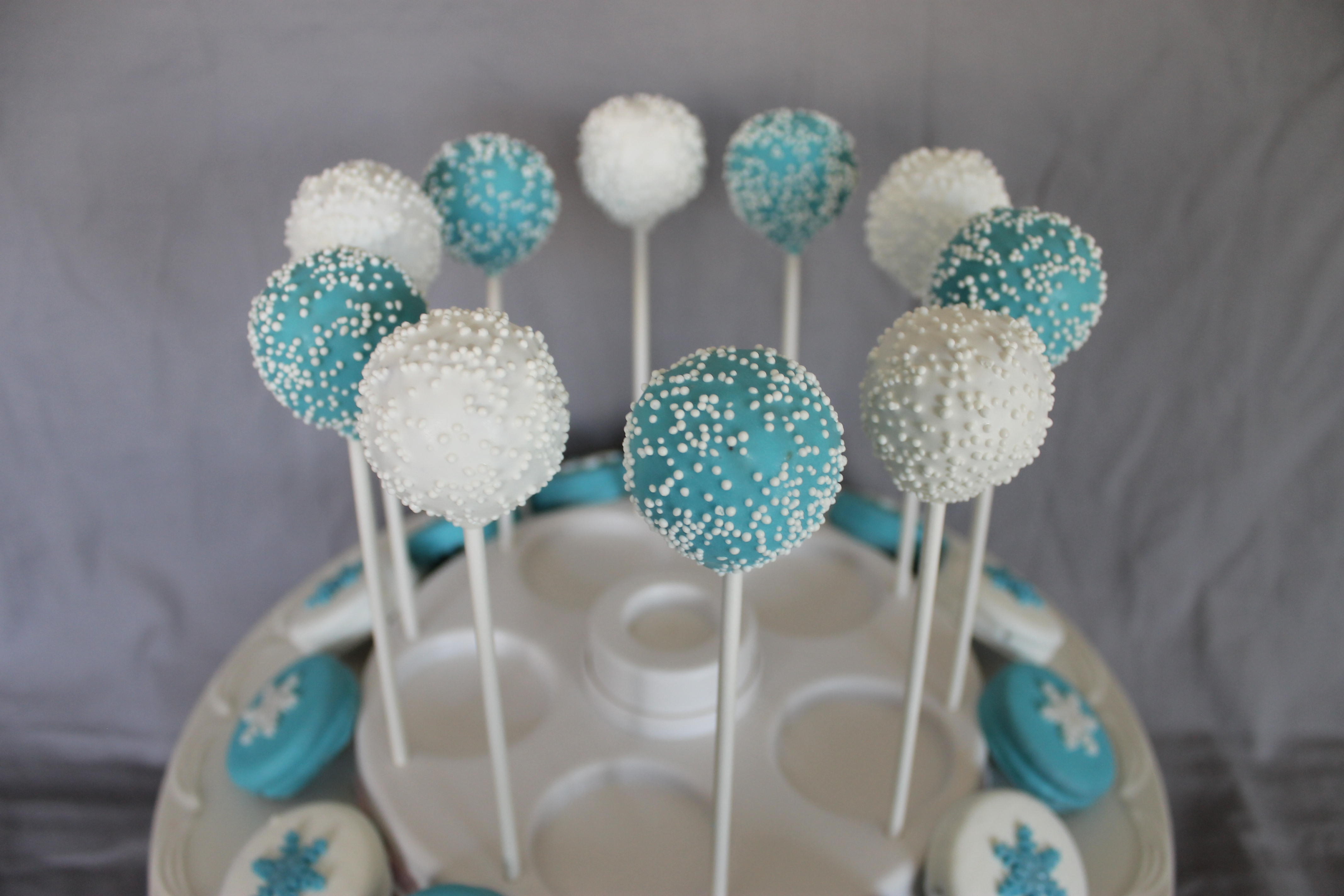 Images Of Frozen Cake Pops : Frozen Themed Sugar Cookies, Cake Pops & Chocolate Covered ...