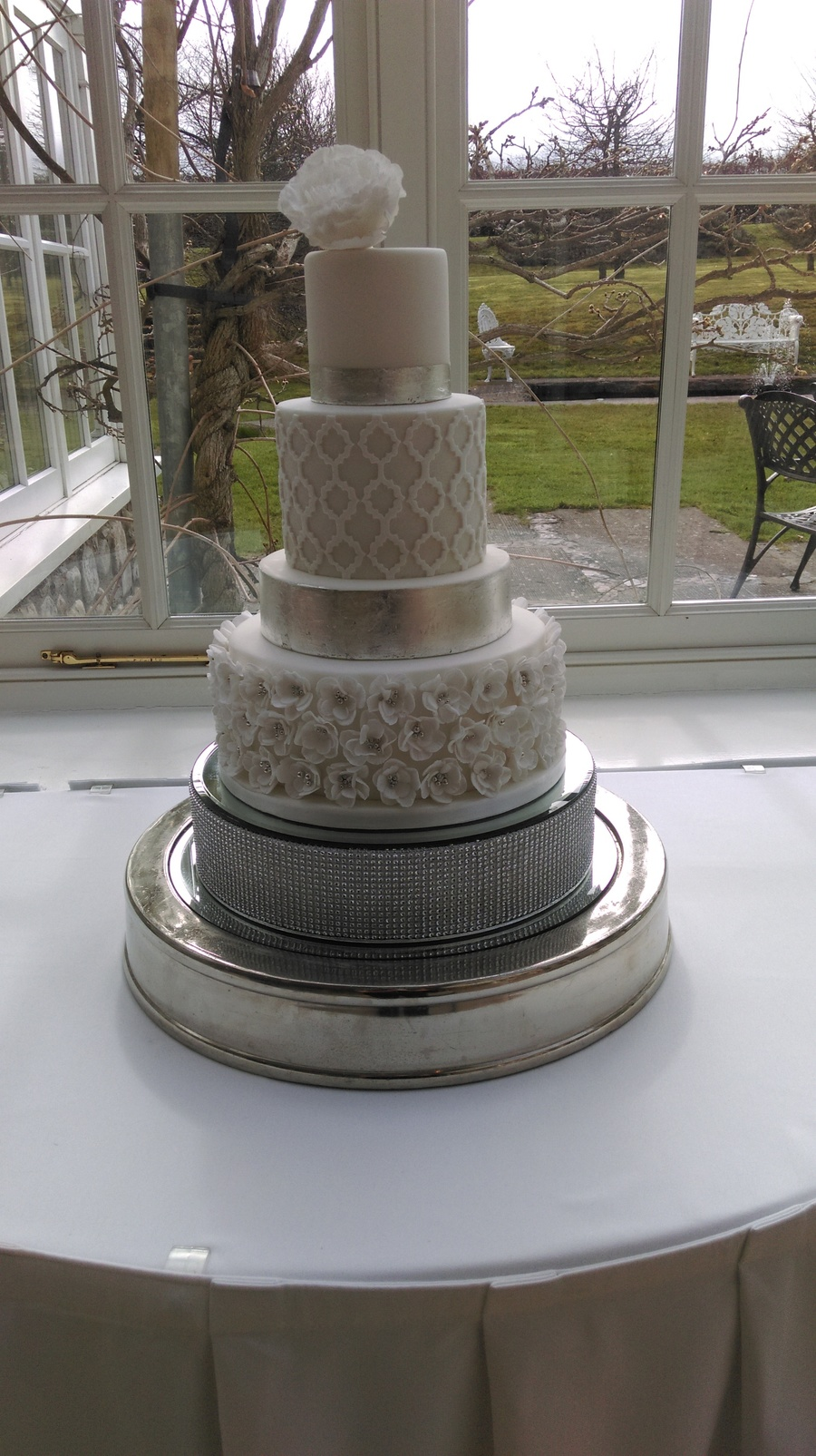 Silver Leaf Cake Decorating