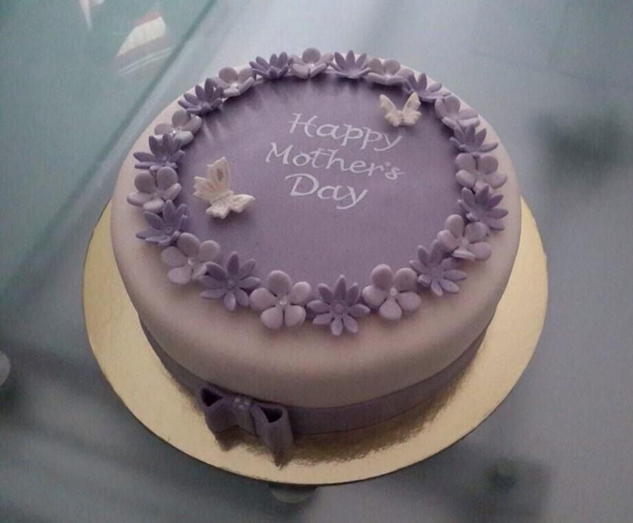 gyFvjwYd6D-mothers-day-cake_900.jpg