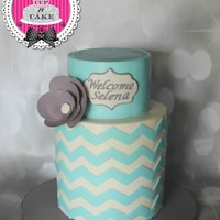 Chevron Baby Shower Cake I learned two things this weekend; 1. How easy and beautiful wafer paper flowers are to make2. Wafer paper refuses to be grey!So I mimicked...