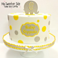 Simple Gender Neutral Baby Shower Fondant covered cake with fondant topper
