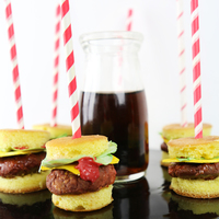 Fun And Festive Burger Cake Pops Love these for the holiday and summer season, in general
