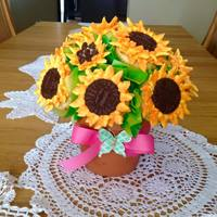 Sunflower Cupcake Bouquet Vanilla cupcakes with Swiss meringue buttercream sunflowers