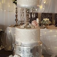 Wedding Cake - Silver Dreams - 2015 Cornelia Marreiros - Unique Cakes Luxury Chocolate cake, 2nd tier done with silver leave, lace with crystal lace, gum paste sugar roses