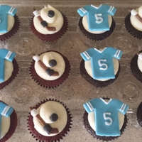 Hockey Themed Cupcakes Hockey themed cupcakes, thanks for looking!