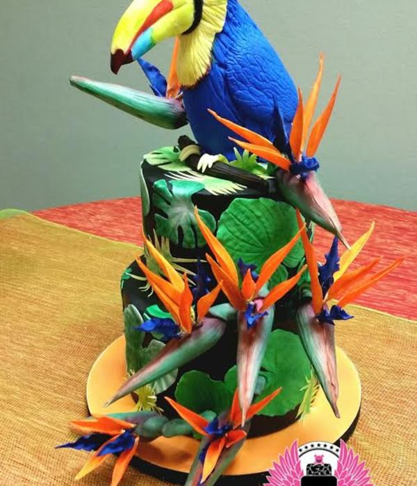 Toucan And Birds Of Paradise Tropical Cake