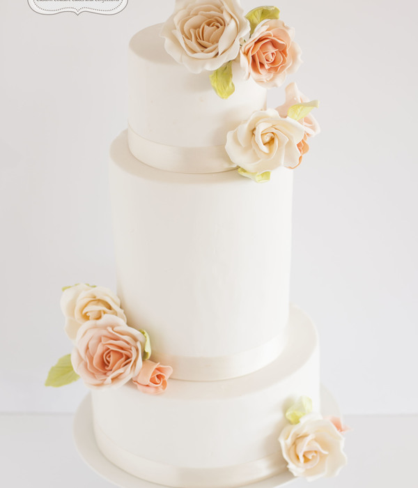 Peach & Cream Roses Wedding Cake