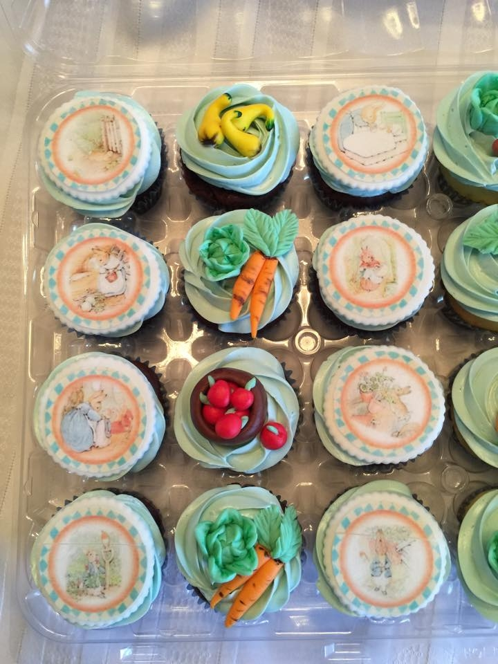 Lovely In These Beatrix Potter Themed Cupcakes There Is A Mixture Of Edible Images  And Modeled And Hand Painted Fondant Pieces.
