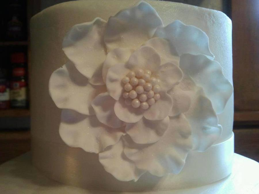 An Attempt At Gp Flowers on Cake Central
