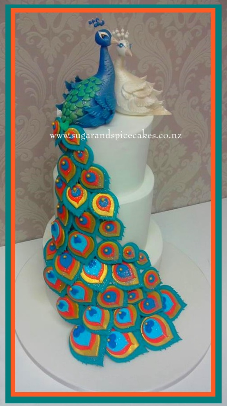 Peacock Wedding Cake With Matching Cupcakes Cakecentral Com