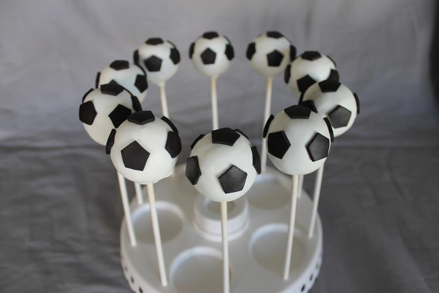 Soccer Ball Cake Pops Cakecentral Com