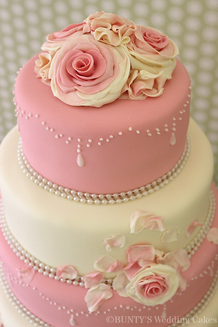 red and ivory wedding cakes pink and ivory wedding cake cakecentral 19082