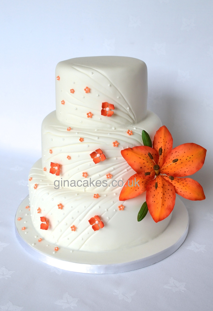 wedding cake with tiger lilies tiger wedding cake cakecentral 26974