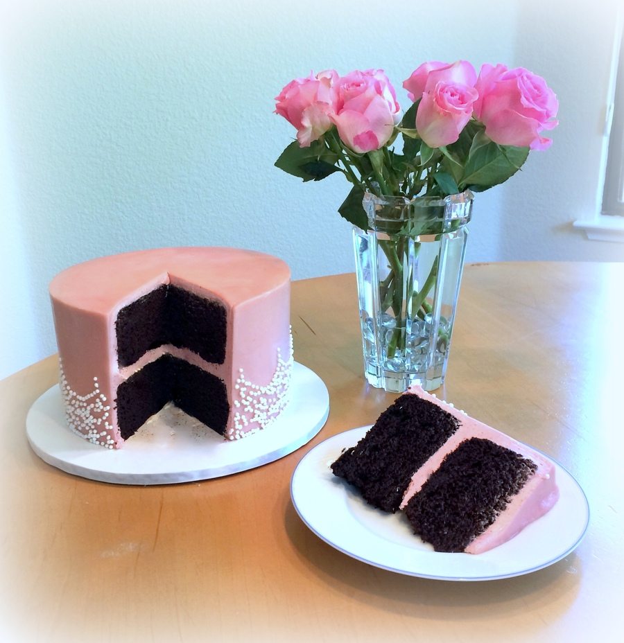 eVeZTZiMOT-pink-cake_900.jpg