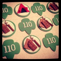 Girl Scout Cupcake Toppers Fun little cupcake toppers for my daughter's girl scout troop bridging ceremony! Found a cutter on Amazon for the clover emblem and...