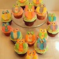 Owl Cupcakes  Hoot Owl Baby Shower cupcakes! These were so much fun to make! I love them! All candy clay, all edible and no fondant! Confetti and devils...