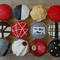 Shakespeare-Themed Cupcakes I like Shakespeare and I like cake. The two should definitely come together more often... Each cake is inspired by a different Shakespeare...