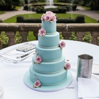 Turqouise Wedding Cake Turquoise Wedding cake with sugar roses