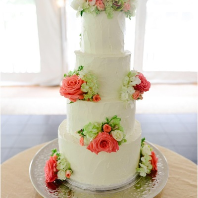 Buttercream Pallette Knife Texture Wedding Cake With Fresh Flowers.